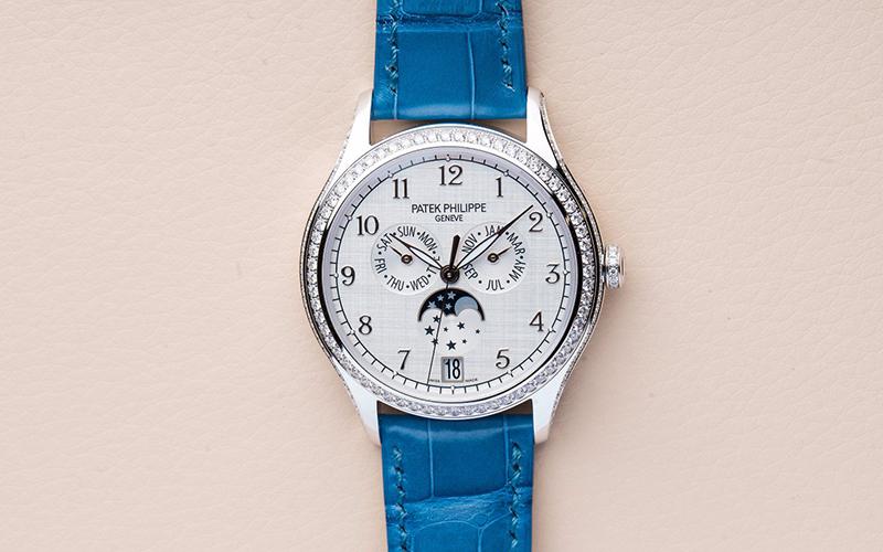 Patek Philippe Annual Calendar 4947G-010 Automatic White gold Crocodile skin Ladies' watch Sapphire Glass Buckle