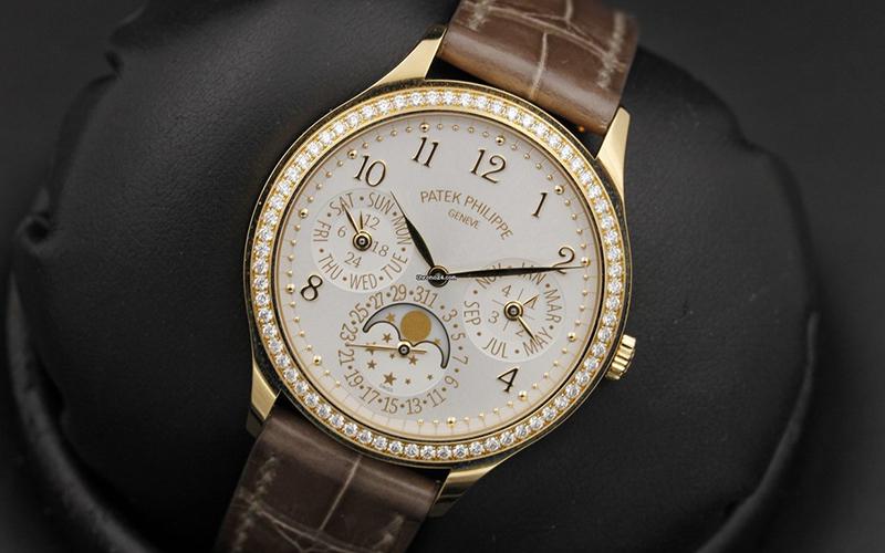 Patek Philippe Perpetual Calendar 7140R-001 Rose gold Crocodile skin White dial Perpetual Calendar