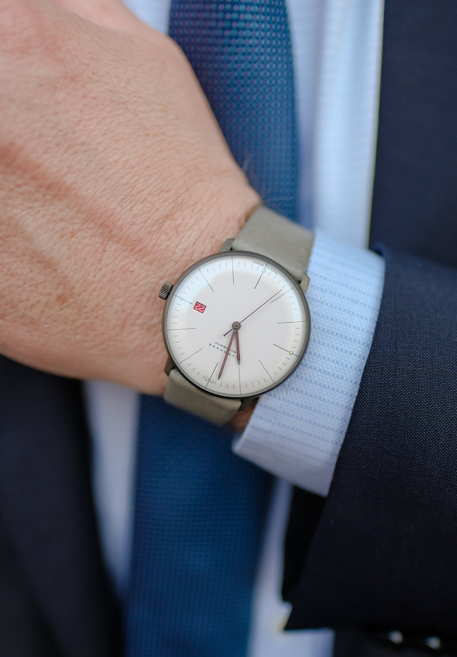 100 Years of Bauhaus with Junghans The Hour Glass